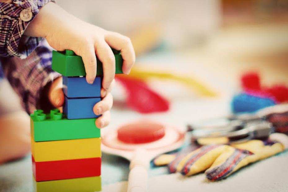 One7 comemora o Dia das Crianças com atividade que estimula o pensamento inovador
